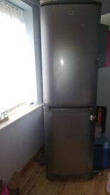 zanussi fridge freezer NOT WORKING! SPARES!