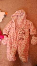 Snow suit 9-12 months