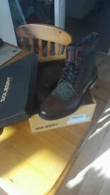 BRAND NEW Solebay Brogue Boots brown leather green detail