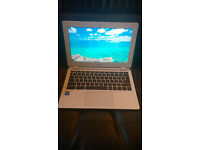 Acer Chromebook CB3 -111 Excellent condition Collect possible from Fleet(Hants) or Wokingham(Berks)