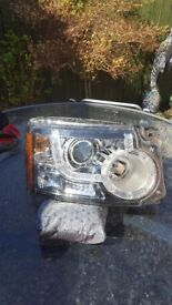 discovery 3/4 Pair of Head lights.with day lights