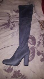 Knee high boots, block heel