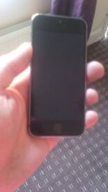 IPhone 5s just turned its self off wont charge or turn on selling as spares