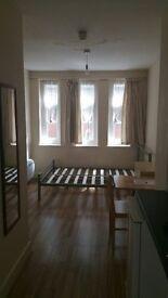 Single Studio in Enfield Town, EN2 6BA, 650 pm all bills except council tax