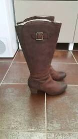 Clarks K Knee High Boots (Size 5.5 Wide Fitting)