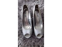 Diomonty silver heels