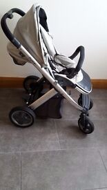 OYSTER PRAM/STROLLER: GREAT CONDITION, FEW SCRATCHES, COSEY TOES INCLUDED