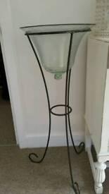 Plant Stand Metal & Glass Bowl.