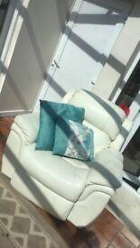 Cream recliner (never been sat on)