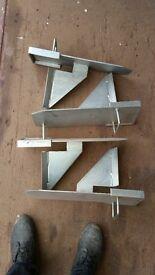 4 x Acrow prop brackets