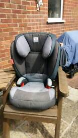 Car seat. For age 6 months to 3 years.