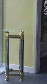 Plant stand in silver / gold