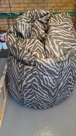 Large picture of new york & large bean bag ,like brand new ,