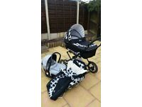 Baby pram-to-pushchair for sale