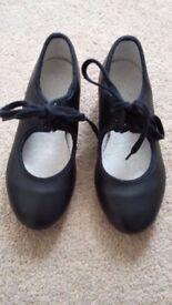 Child Tap shoes for sale. Excellent condition. Black. Size 9 .