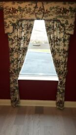 Curtains, Lamp & Pictures - all with a hunting scene