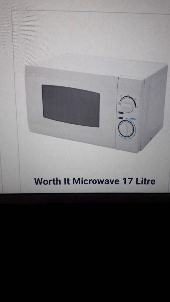 MICROWAVE BRAND NEW STILL BOXED