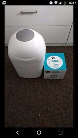 Tommee tippee sangenic bin and 1 cassette in good condition from pet and smoke free home