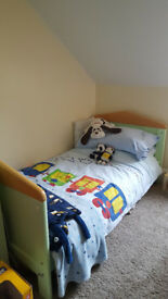 Mamas & Papas 5pce nursery childs furniture incl. cot kids bed, wardrobe, changing station & toy box