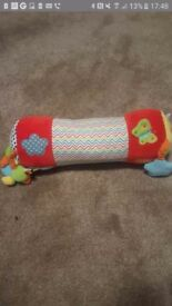 Baby tummy time roller