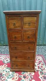 Chest of drawers / tallboy