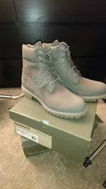 "Timberlands 6"" premium boot grey nubuck uk 9 (Brand new boxed)"