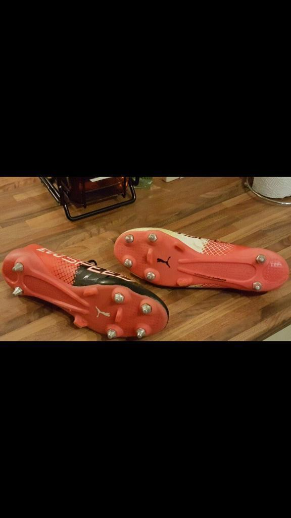 Men's Puma Evo size 10 football boots