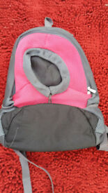 SMALL DOG CARRIER RUCK SACK STYLE UN USED HOLDS UP TO 5KG