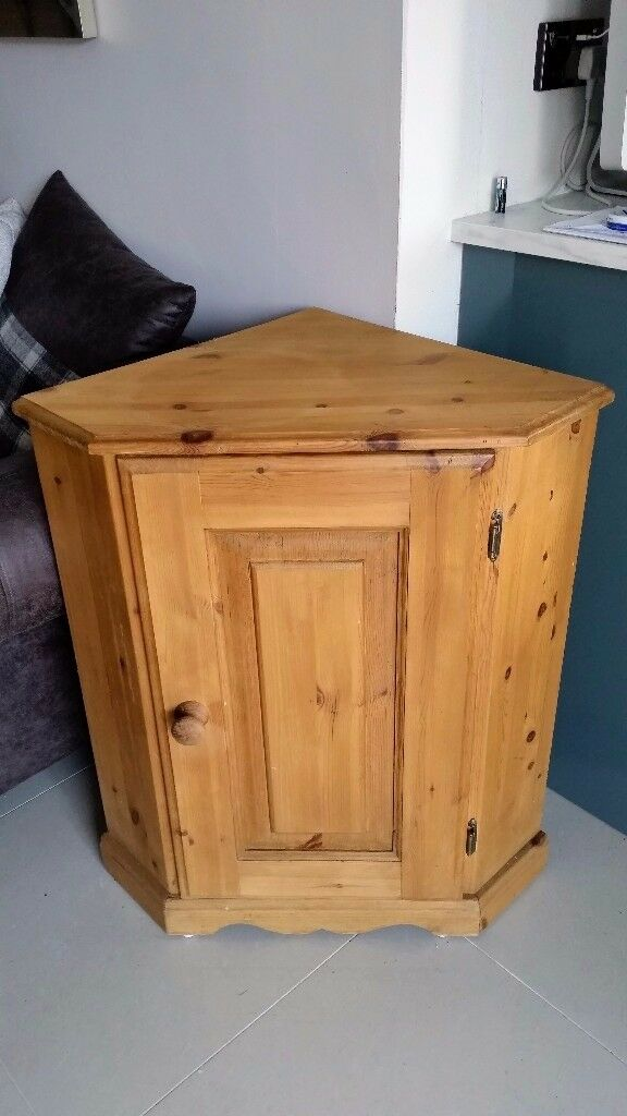 Solid Pine Corner Table Unit Single Door **REDUCED PRICE! £20!**