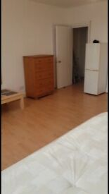 Lovely Large Studio to Rent on Newcross Road, London SE14
