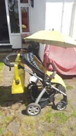 Mamas and Papas buggy SOLA with umbrella, changing bag and rain cover, Good condition Pushchair