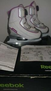 Misses/Girls Size 1 Reebok BOA Skates LIKE NEW IN BOX  cable system skates easily tightened