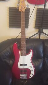 Squire by fender 5 string bass