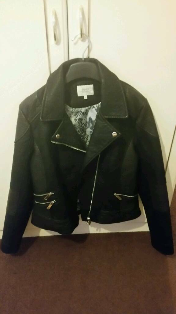 Womans leather jacket like new