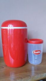 EasiYo Yoghurt maker, as new condition, with instructions