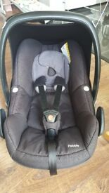 Maxi Cosi Pebble black infant car seat 0+