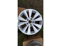 "Genuine VW Golf,Touran ,Passat 16"" Toronto Alloy Wheel Rim 5G0601025L X2"