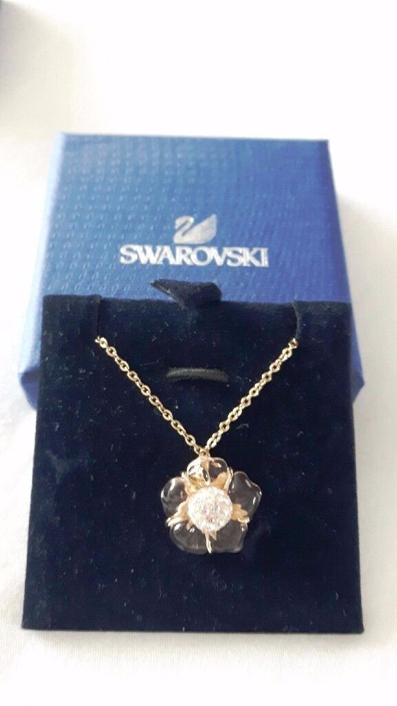 NEW: Swarovski Gold Necklace - ideal Christmas Present