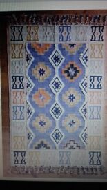 Large rug 8 x 10 foot