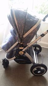 Pram for sale, like new, hardly been used, quality pram,