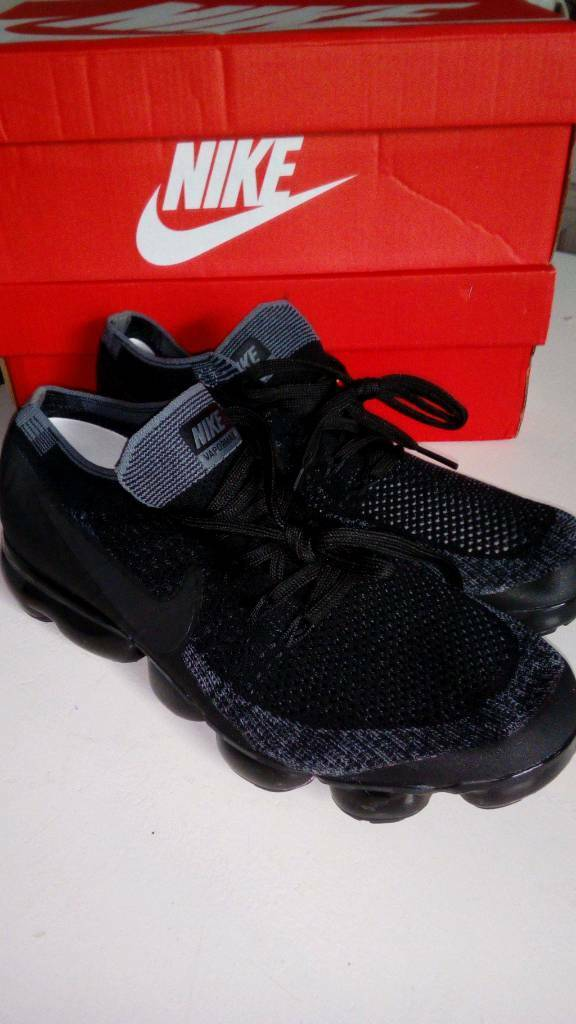 the latest 56a09 c4076 Nike Vapormax Flyknit Black Grey Size 8.5 UK 2018 Men s Trainers New with  no Box