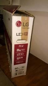"""LG LED 32"""" HD TV - Model 32LF51"""