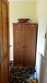 Single wardrobe - £10