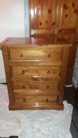 4 chest Drawer for sale and proper full ood only £40