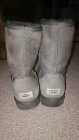 Ugg boots grey size 8 worn once