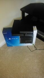 Playstation 4 (with 3 games)