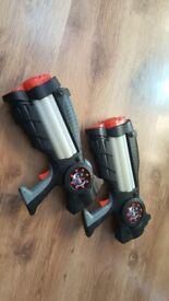 Set of 2 light up space gun toys