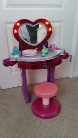toy dressing table & stool