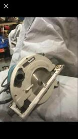 Makita 9inch circular saw