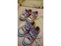 size 5 and 6 girl converses